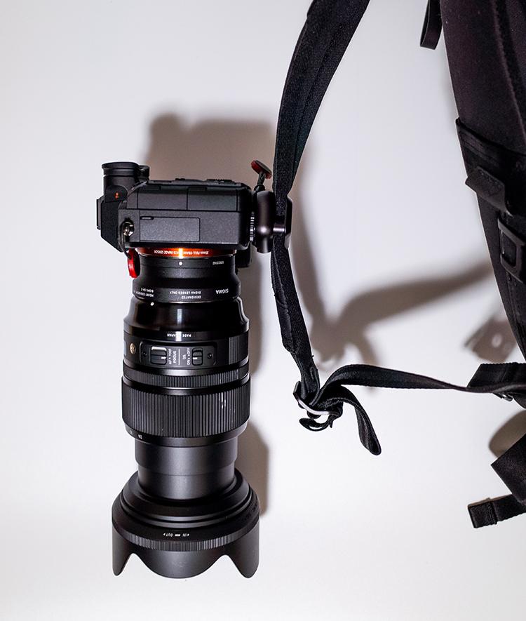 PeakDesign Capture V3にカメラを固定した画像 