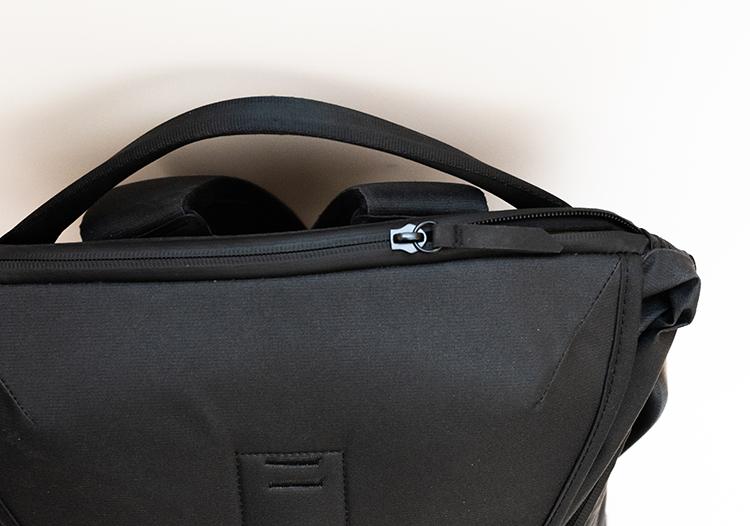Everyday Backpackの止水ジッパー 