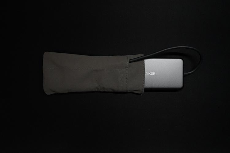 Anker 7-in-1 プレミアム USB-Cハブ付属のポーチ