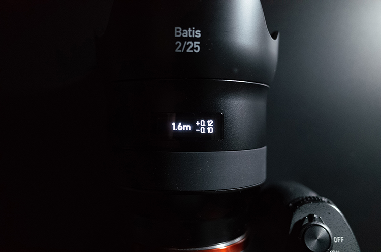 Batis2/25の有機ELディスプレイ